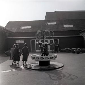 GRANADA TELEVISION1960FESTIVAL CAFE ENTRANCECOPYRIGHT GRANADA
